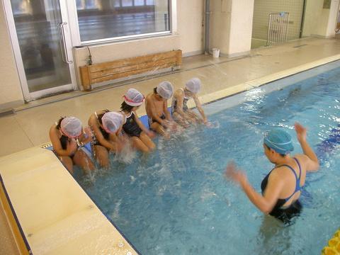 背泳ぎ練習!!!_b0286596_1923257.jpg