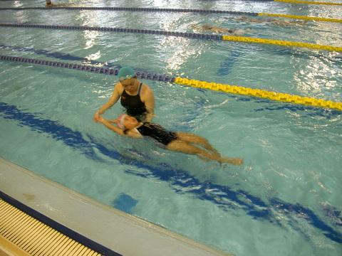 背泳ぎ練習!!!_b0286596_1932879.jpg