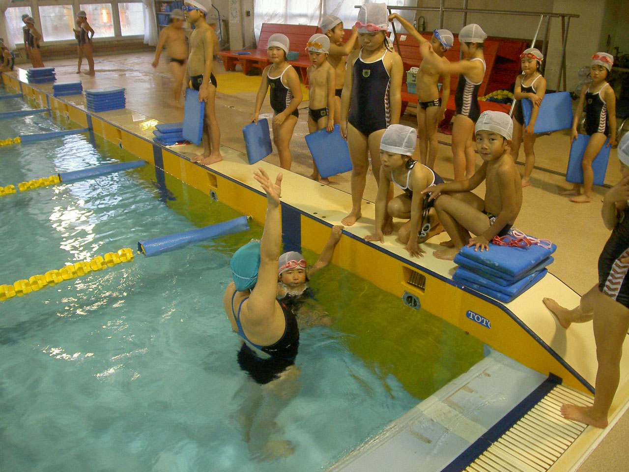 背泳ぎ練習!!!_b0286596_19351532.jpg