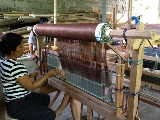 イカット織りの準備を始めております Persiapan untuk tenun ikat_a0120328_2344487.jpg