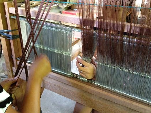 イカット織りの準備を始めております Persiapan untuk tenun ikat_a0120328_2345729.jpg