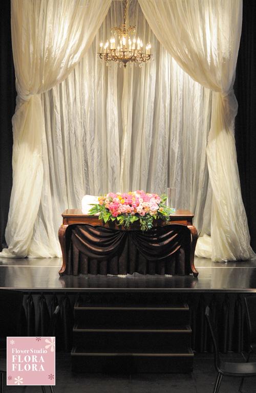 1.5次会 お二人のメインテーブル装花 to 恵比寿イーストギャラリー_a0115684_17433572.jpg