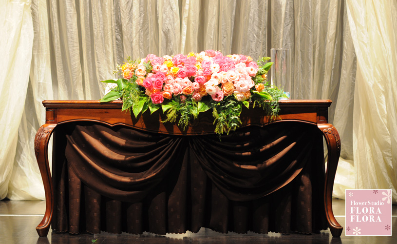 1.5次会 お二人のメインテーブル装花 to 恵比寿イーストギャラリー_a0115684_1752261.jpg