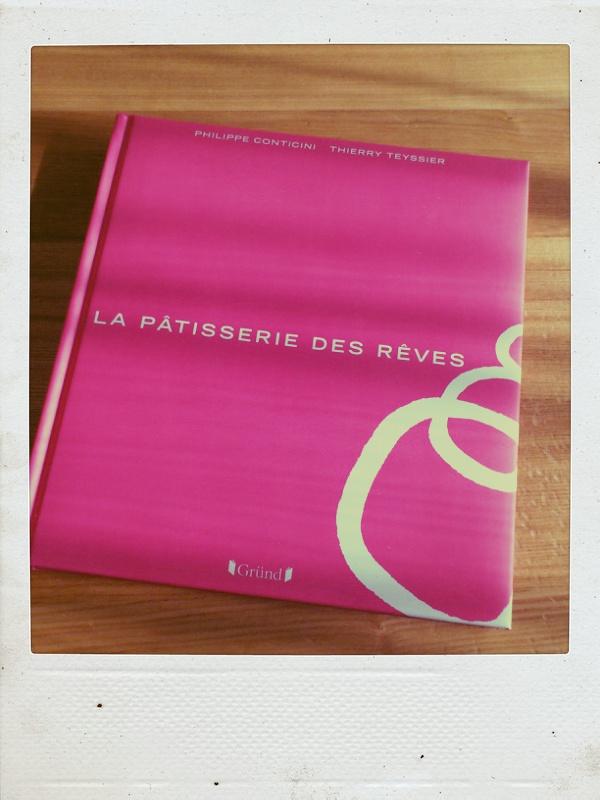 パティスリー・デ・レーヴのレシピ本_b0065587_15561629.jpg