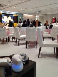 ジュエリー会場の中で「 コガオセラピー 」のイベントが続きます。_c0007919_11304736.jpg