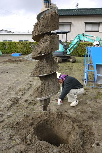 「磐田・直庵」 の砕石パイル!_b0111173_10461290.jpg
