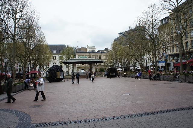 ルクセンブルクの旅 (7) ダルム広場のカフェ・フランセで休憩_c0011649_233795.jpg