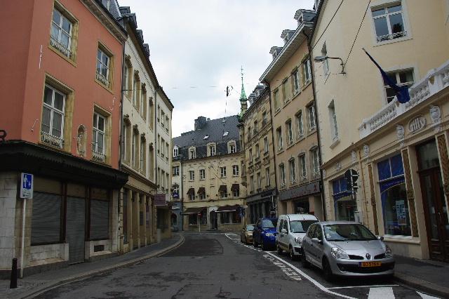 ルクセンブルクの旅 (6) サン・ミッシェル教会と大公宮殿_c0011649_5553083.jpg