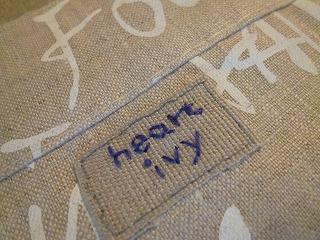 cafe apron   英文字柄のポケット♪_a0165160_17442211.jpg