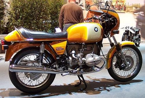 BMWは来年モーターサイクル生産90周年_e0254365_18403533.jpg