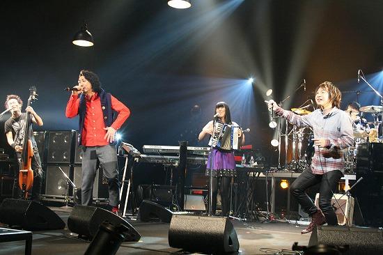 Aqua Timez、LGMonkees&ZEPPET STORE木村世治と共演で福島へ復興のエール_e0197970_223360.jpg
