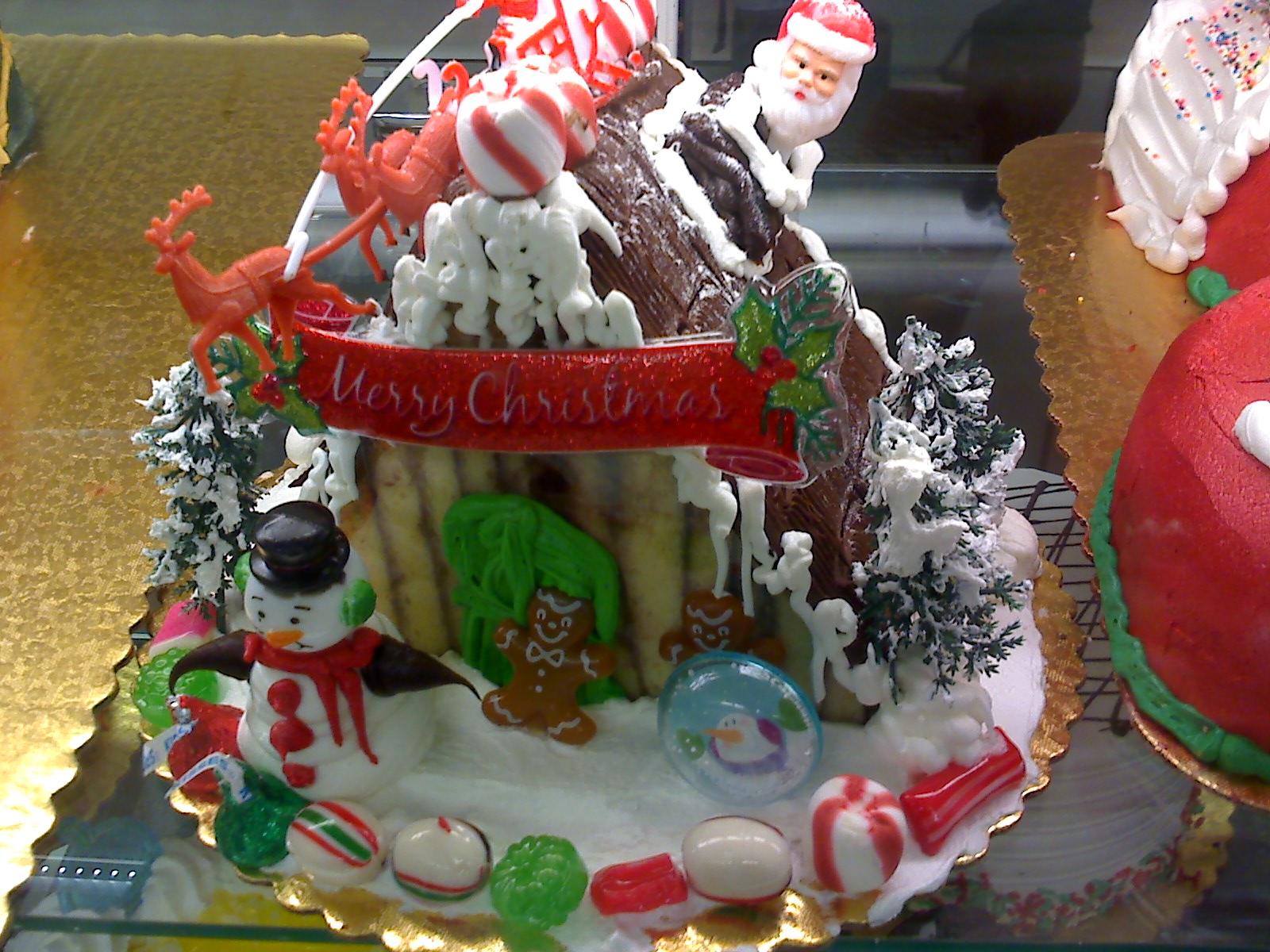 クリスマスの、毒々しい?ケーキ_d0240098_2220316.jpg