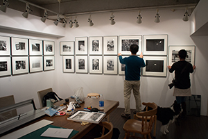 monochroe VII「Snapshot」展の展示準備_b0194208_22222731.jpg