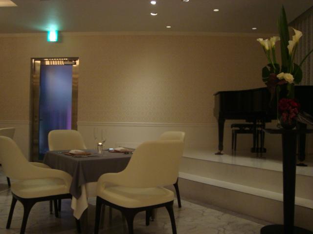 銀座「Restaurant MASA UEKI」へ行く。_f0232060_19414627.jpg