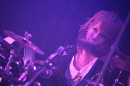 ユナイト、渋谷REXワンマンで2013年全国ツアーと初のMV集発売を発表_e0197970_21533273.jpg
