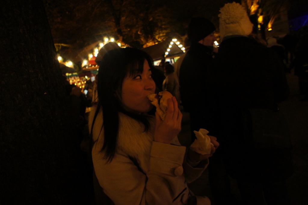金曜の夕方、クリスマスマークトへ。_c0180686_23142894.jpg