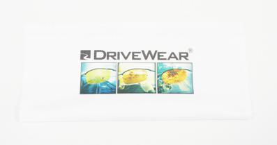 新発想・偏光調光ドライブウェア搭載DRIVEWEARデザイナーサングラス発売開始!_c0003493_11174637.jpg