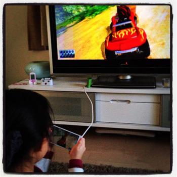HDMIで「ARROWS V」をテレビにつなげるとハッピーになれる_c0060143_212664.jpg