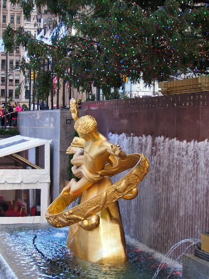 the 2012 rockefeller center christmas tree_c0180971_0503990.jpg