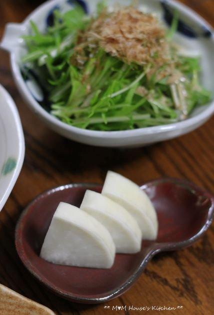 (ΘωΘ)o.。o  ☆ そぼろ弁当とさんま定食♪_c0139375_1254411.jpg