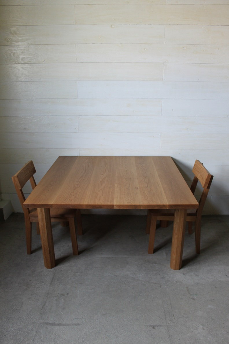 SQUARE DINING TABLE_c0146581_1049205.jpg
