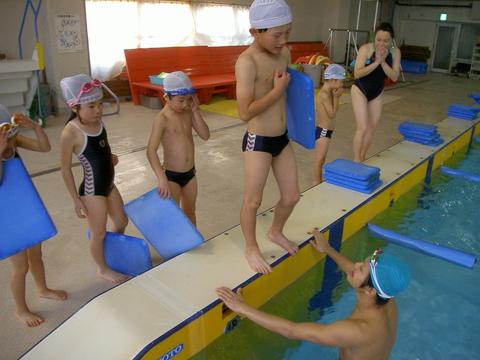 平泳ぎキック練習(^^♪_b0286596_13501939.jpg