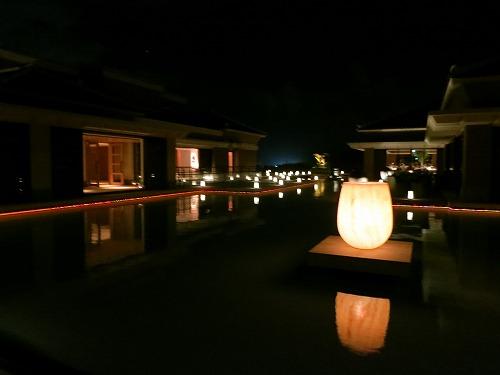 10月 リッツカールトン沖縄 夜のホテル内とルームサービス_a0055835_1824450.jpg