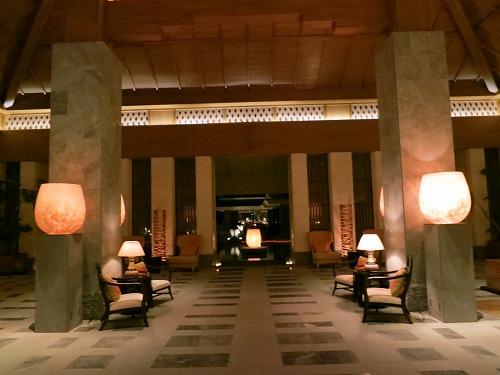 10月 リッツカールトン沖縄 夜のホテル内とルームサービス_a0055835_1827756.jpg