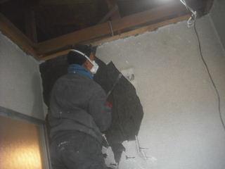 浴室解体工事2日目_f0031037_21551136.jpg