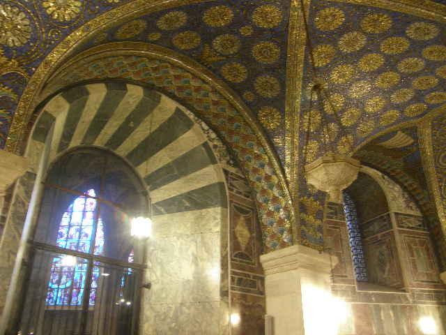 アーヘン大聖堂というところ_f0189467_10342999.jpg