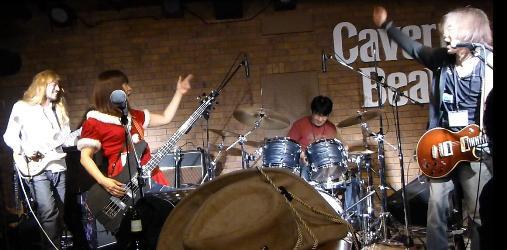 2012年カラフル年末ライブのライブレポ、その1(ジェイバンド~SUBERIMASU)_e0188087_0112976.jpg