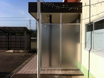 ポリカパーテーション工事_c0215194_23195438.jpg