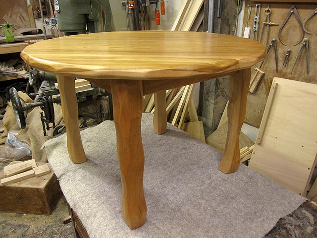 丸ローテーブル φ700×H450_e0072513_2059172.jpg