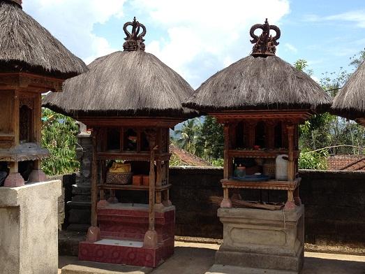 アタとソンケットのバッグと、サンガーのロンティガ Tas Ate dan Songket  dan Rong Tiga di Sanggah_a0120328_209281.jpg