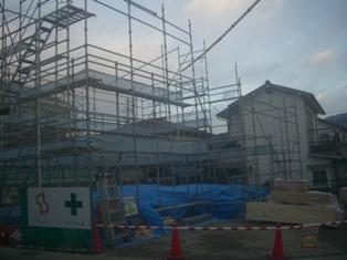 蟻ヶ崎の住宅 ~ 足場完了_e0180332_17274891.jpg