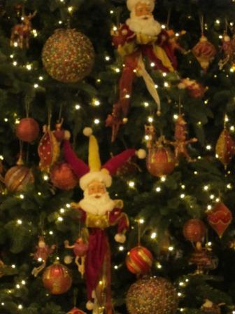 ソフィテルホテルのクリスマスツリー♪_a0151580_112118100.jpg