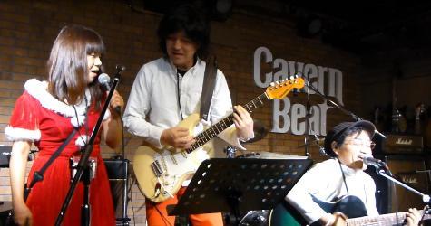 2012年カラフル年末ライブのライブレポ、その1(ジェイバンド~SUBERIMASU)_e0188087_1243100.jpg