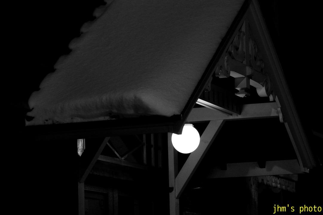 雪の中のあかり_a0158797_22114278.jpg