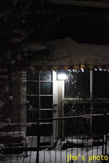 雪の中のあかり_a0158797_2214581.jpg