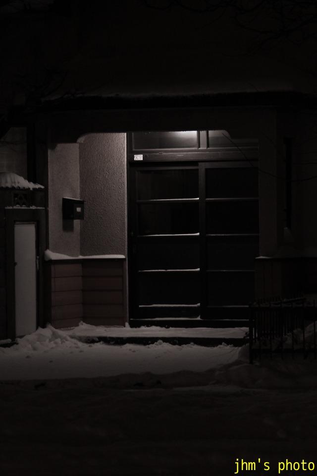 雪の中のあかり_a0158797_2215672.jpg