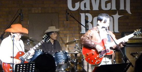 2012年カラフル年末ライブのライブレポ、その1(ジェイバンド~SUBERIMASU)_e0188087_015724.jpg
