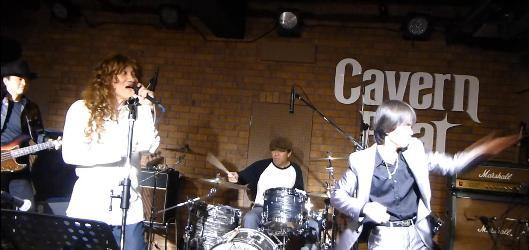 2012年カラフル年末ライブのライブレポ、その1(ジェイバンド~SUBERIMASU)_e0188087_23181778.jpg