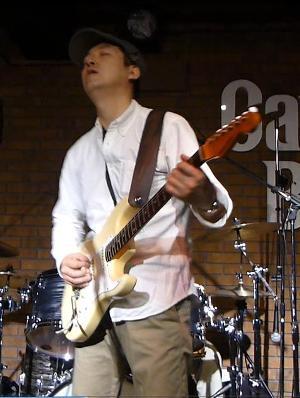 2012年カラフル年末ライブのライブレポ、その1(ジェイバンド~SUBERIMASU)_e0188087_23355567.jpg