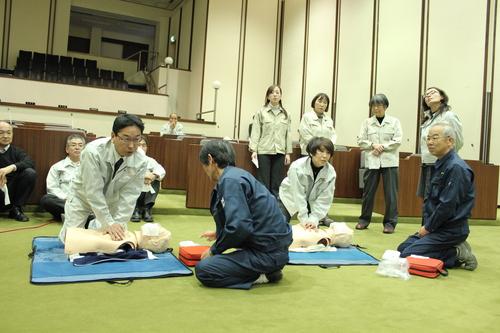 心肺蘇生法・AED講習_e0068696_1639103.jpg