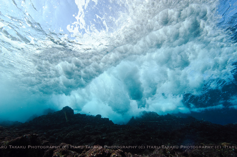 波と戯れる_b0186442_17512883.jpg