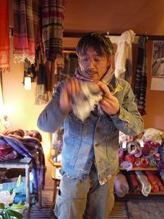 玉木新雌 「ウール&コットン」ショール~ホワホワの巻き~_f0226293_8113039.jpg
