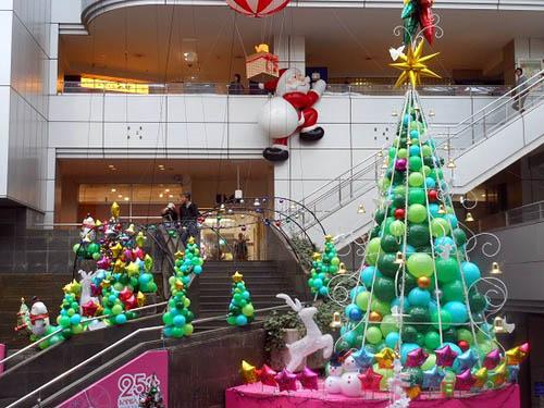 初めてのルリビタキと、クリスマスツリー_f0030085_20222799.jpg