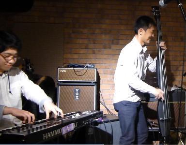 2012年カラフル年末ライブのライブレポ、その1(ジェイバンド~SUBERIMASU)_e0188087_22314864.jpg