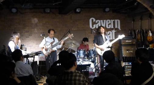 2012年カラフル年末ライブのライブレポ、その1(ジェイバンド~SUBERIMASU)_e0188087_23253751.jpg