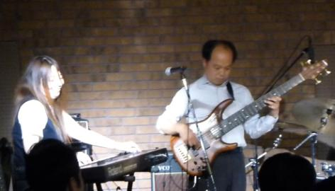 2012年カラフル年末ライブのライブレポ、その1(ジェイバンド~SUBERIMASU)_e0188087_2328430.jpg